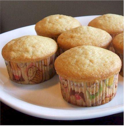 whitecupcakes2.jpg