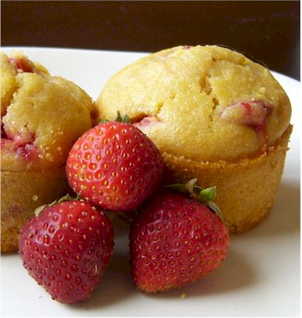 strawberry cornbread muffins