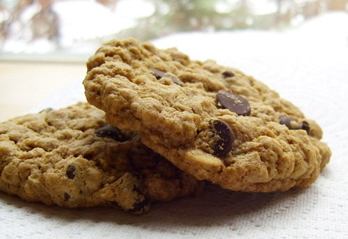 Bakery-Style Oatmeal Chocolate Chip Cookies - Vegan and Gluten-Free