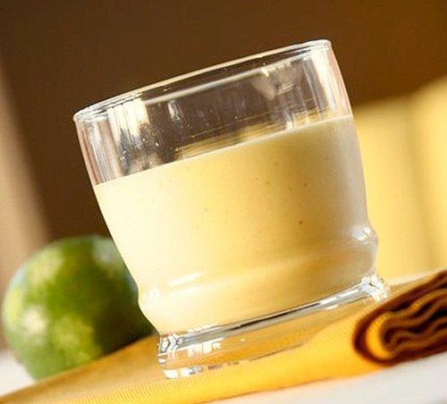 Coconut Mango Smoothie w/ Lime - Dairy-Free, Vegan, Gluten-Free